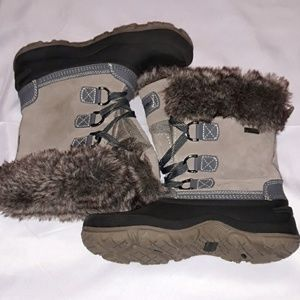 Size 7 khombu rubber,leather,fauxfur winter boots